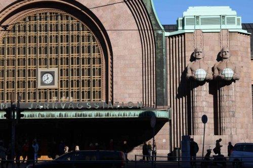 Colosses gare d'Helsinki